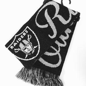 NWT Oakland Raiders Women Scarf
